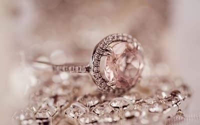 Zásnubní prsten – diamant nebo zirkon? Výběr nepodceňujte