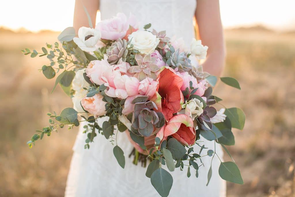 oastelová svatební kytice