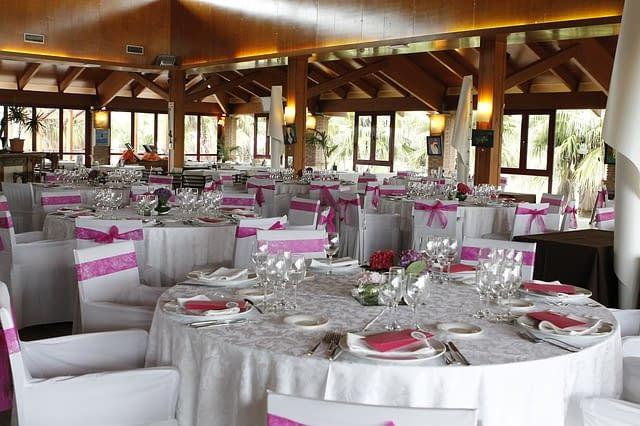 Svatba na jednom místě - třeba na statku