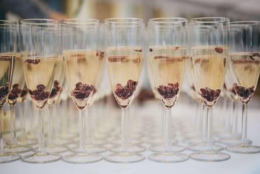alkohol na svatbu je i welcome drink