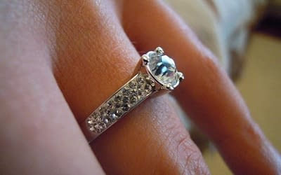 Vybrat zásnubní prsten není jen tak