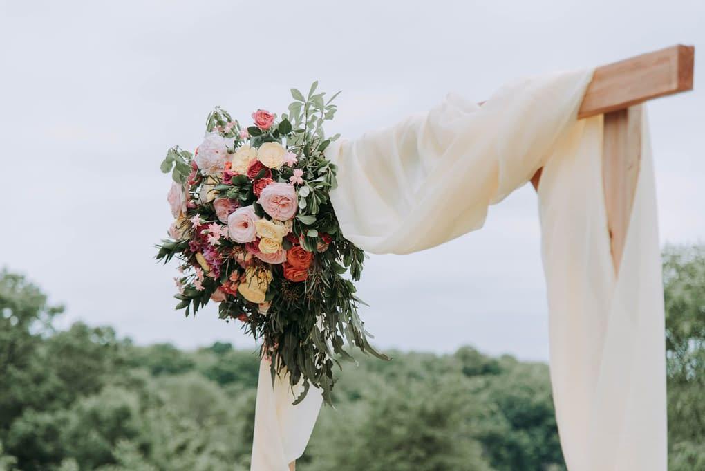 Boho svatba - svatební brána