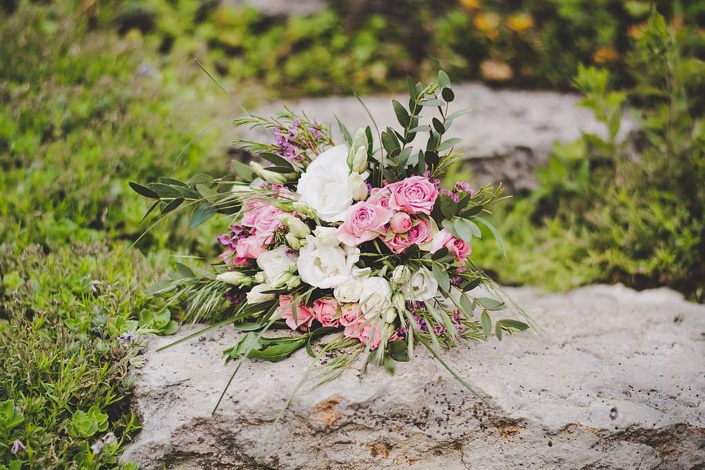 přírodní svatební kytice
