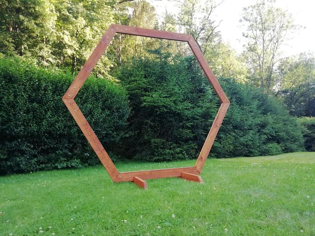 slavobrána hexagon