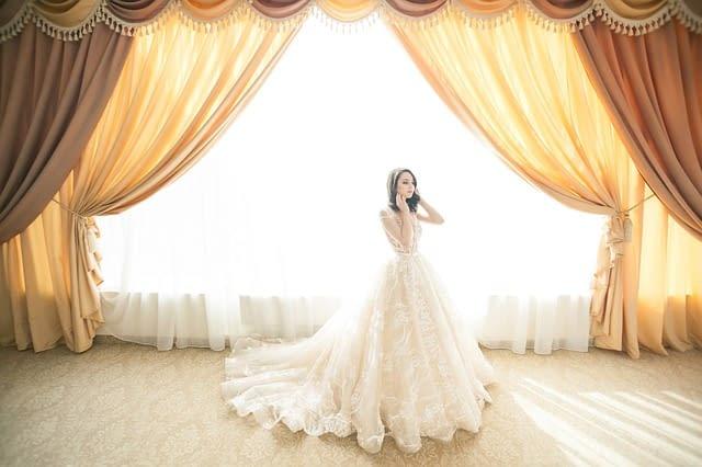 Jaké vybrat svatební šaty