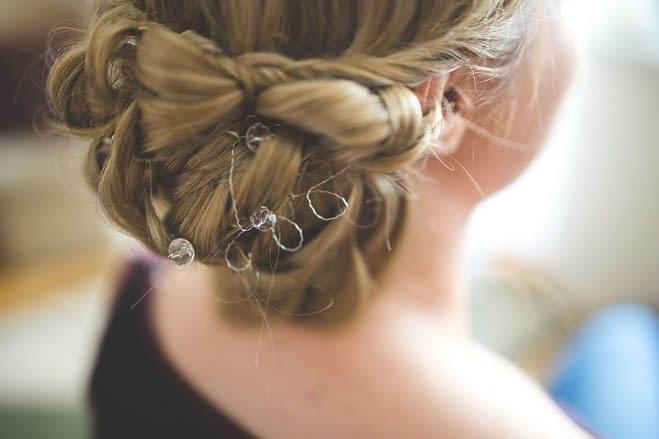 drobné doplňky do vlasů na svatbu
