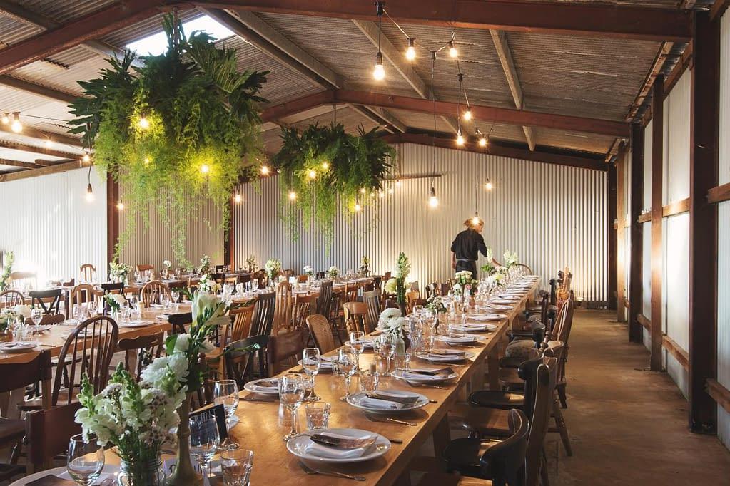 svatba na jednom místě, třeba ve stodole