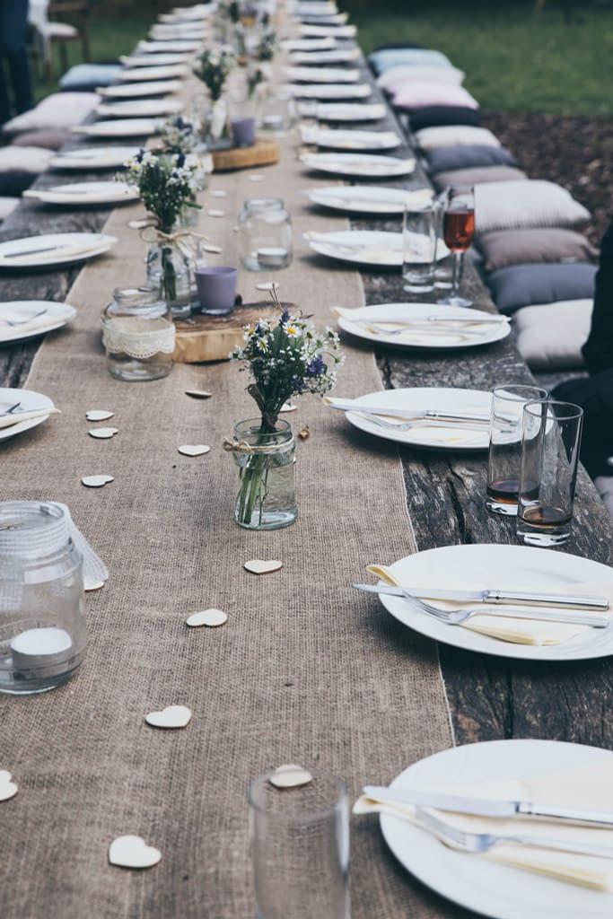 Výzdoba na rustikální svatbě se točí hodně okolo přírody