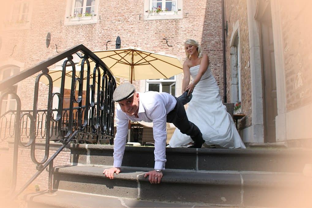 Svatební hry občas vyžadují i určitou fyzickou zdatnost - nejčastěji od ženicha
