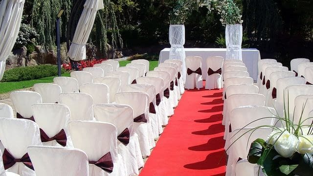 Výhody a nevýhody svatby na jednom místě